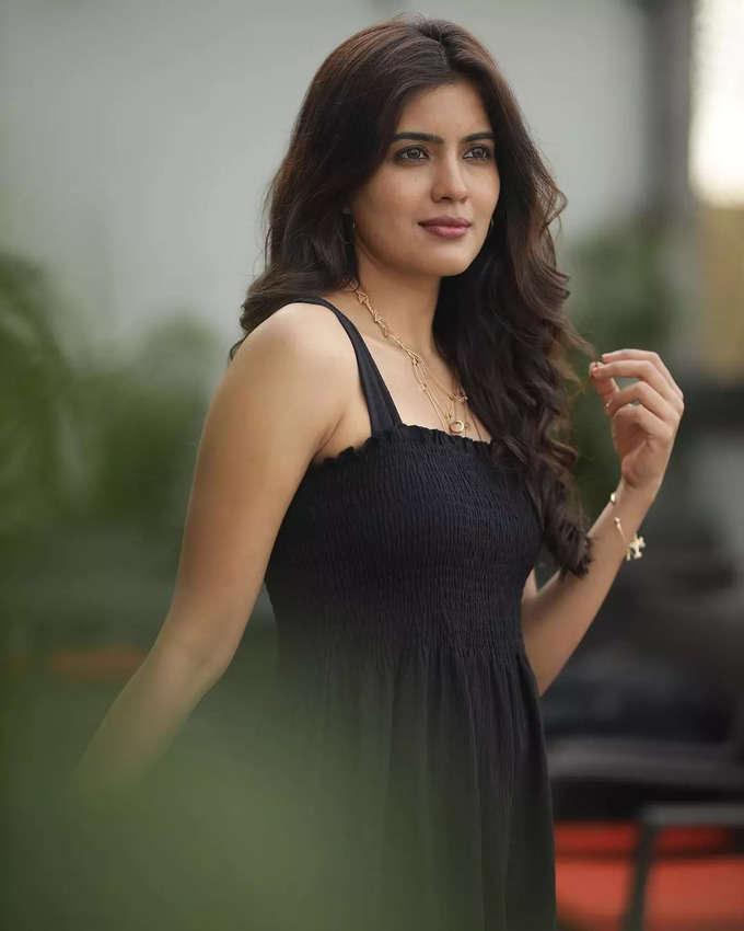 பிகில் நடிகை அம்ரிதா ஐயரின் க்யூட் போட்டோஸ்