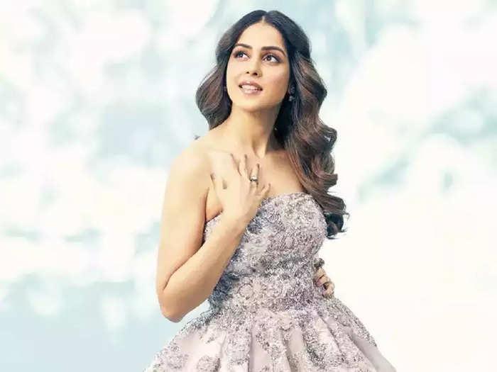 riteish deshmukh wife genelia dsouza sequin blue saree glamorous look see her beautiful photos
