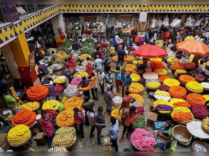 Crowd at flower market