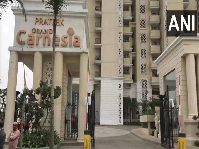 Ghaziabad twins death case: Ghaziabad Twins death News: Twin brother died after after falling from 25th floor of an apartment: सोई हुई थी मां, उठकर जुड़वां बच्चों को खोजा तो नहीं मिले, फिर बालकनी से नीचे देखा तो कलेजा कांप गया