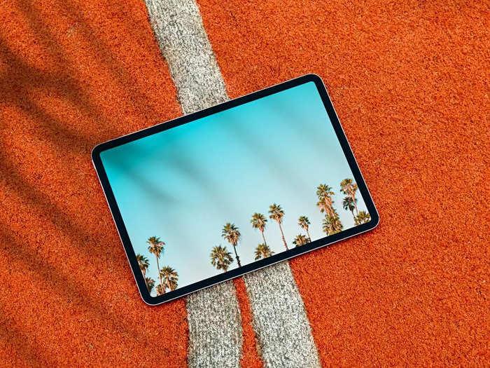 फुल एचडी डिस्प्ले और डुएल स्पीकर्स के साथ मिल रहे हैं ये ब्रांडेड Tablets, उठाएं शानदार डील का फायदा
